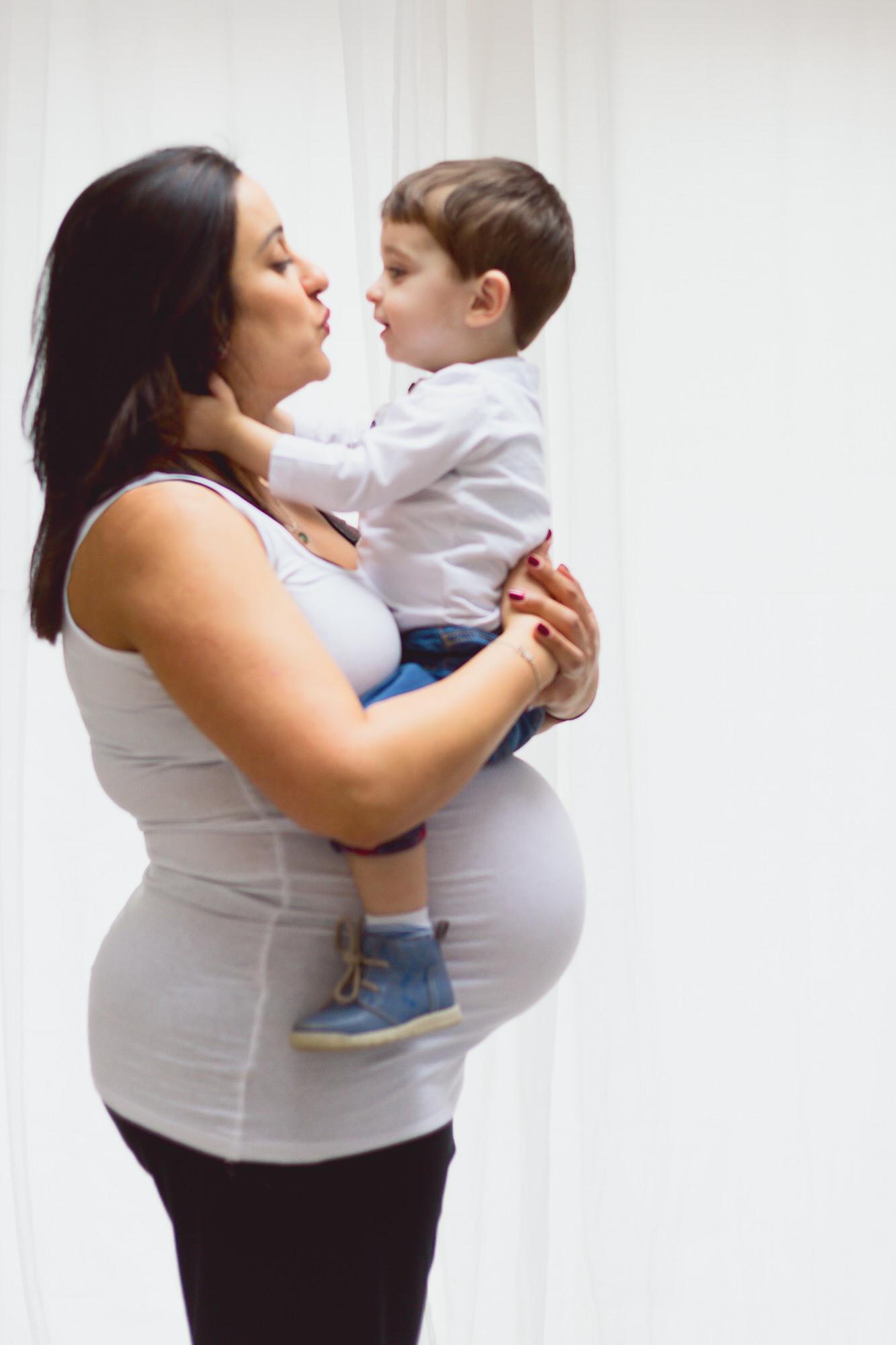 Pregnant Mum and child